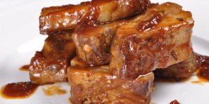 свиные ребрышки с соевым соусом и медом