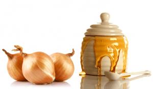 польза луково-медовой смеси