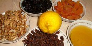 Смесь из кураги, чернослива, изюма, орехов, лимона, меда: польза и вред.